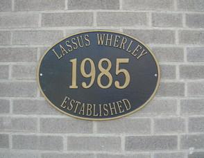 Carousel image 0e1b0165229629d1fa9e lw established 1985 sign