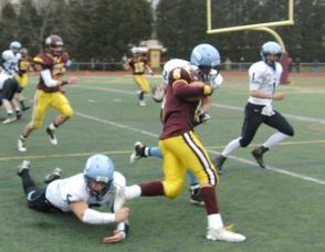 Kyre Negron speeds around the defense