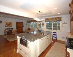 LARGE KITCHEN ISLAND