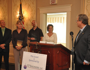 Wayne Dietz, and Susan Hammmer of D&H Alternative Risk Solutions, and, Rob Austin of RDA Fitness, accept their awards for Business Expansion.