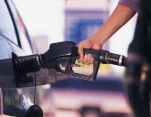 Carousel_image_5ec086d329d20460d724_guy_pumping_gas