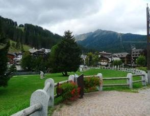 A Fall Excursion to Madonna di Campiglio in Trentino-Alto Adige, Italy, photo 1