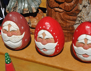 Some Santa Carvings by Ken Dispoto.