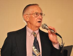 Dr. Richard Scott addresses the group.