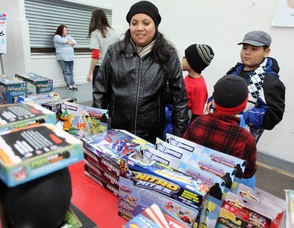 Sharing the Holiday Warmth: Paterson Groups Provide Winter Coats and Toys to the Needy, photo 4