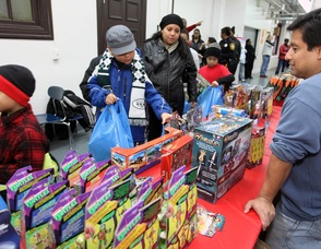 Sharing the Holiday Warmth: Paterson Groups Provide Winter Coats and Toys to the Needy, photo 3