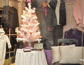 Diva Designs decorated for the holidays.