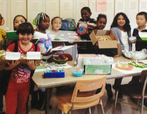 Washington Third Graders Pose with their cell projects