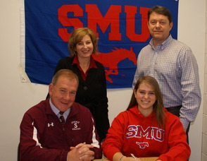 Marissa Jennings signing her letter of intent