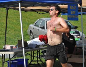 Brian Thomas nearer to the finish line.