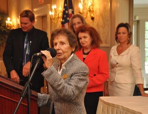Julia Quinlan accepts the award for the Karen Ann Quinlan Hospice/Karen Ann Quinlan Memorial Foundation.