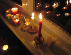 Carousel_image_f38ff8a9a19b76811f50_candles2