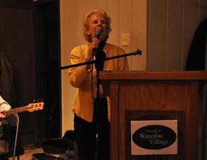 Susan Zellman addresses the crowd.