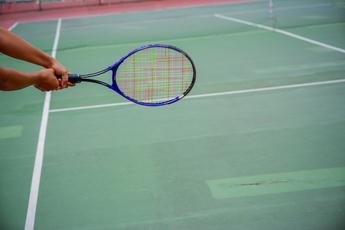 Top_story_ee323e29d9f7637316a0_tennis_racket