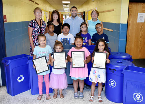 Top story 007fe1049af2775006d1 school recycling bins photo