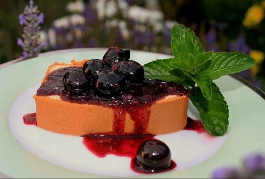 Top_story_09164dd3b759d0b512b6_blueberry-balsamic-sauce