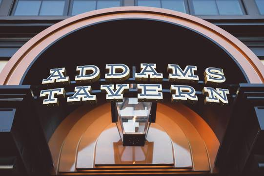 Top_story_09a898d88314c38ccdad_addams_tavern_by_daniel_krieger_photography-1360
