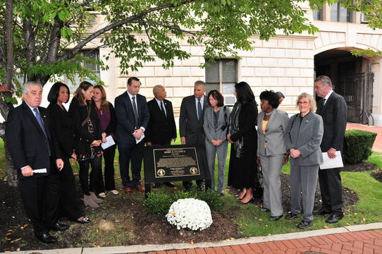 Top_story_10c40c07111f908a35c9_clancy_plaque_dedication