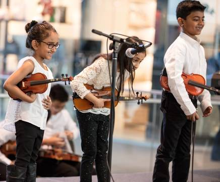Top_story_141b9183c44513f64e6a_pathways_to_violin_students
