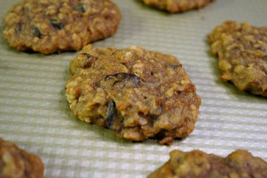 Top_story_190fabc7aa2994a52ea4_oatmeal_cookie