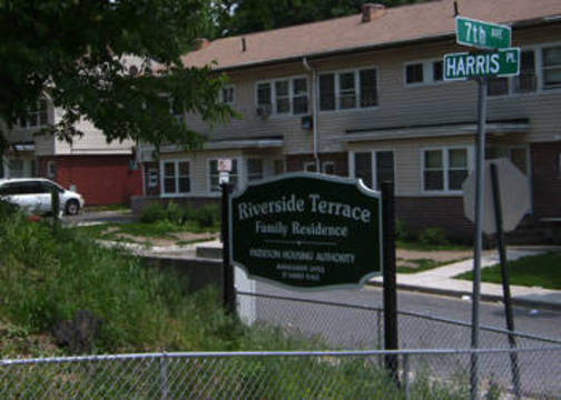Top_story_1c2e92f799bb135ed63e_109611_nj_07514_riverside-terrace-family-residence_vsv