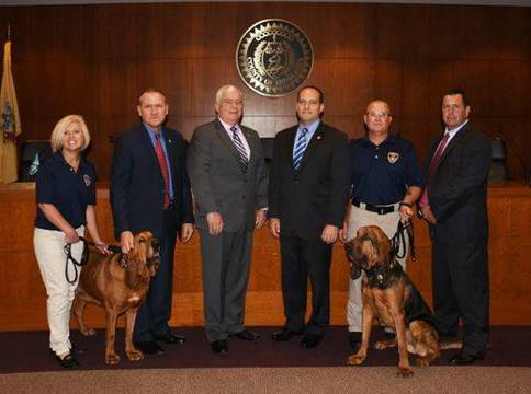 Top_story_1e2bfe8c5db47bd1b0a5_crime_stoppers_bloodhound_photo
