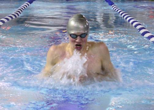 Top_story_24595f98bfd767211545_semis_-_chris_bondarowicz_wins_the_100_breaststroke_in_the_state_semifinals_on_tuesday
