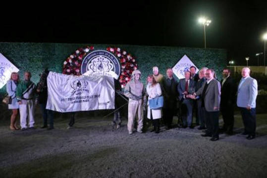 Top_story_2e4ebd87e2601a438085_breeders_crown_2017_hoosier308