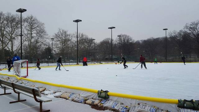 Top_story_301812aacbffe930e794_ice_rink
