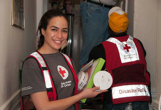 Top_story_3754011ffc7f4f424316_firealarmsredcross