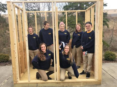 Top_story_3ca19d6f3a28229fb0ae_njyc_students_building_sheds