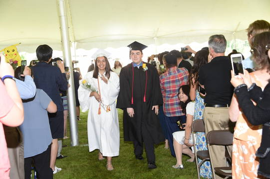 Top_story_471c18c4513ff3eea99b_commencement_17