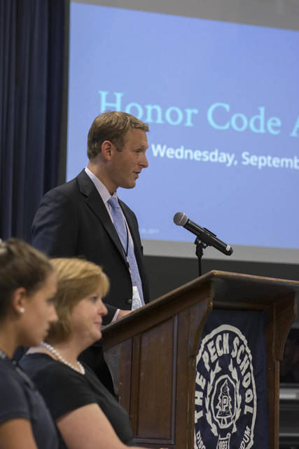 Top_story_4a17a4ebe3f76c1e01ac_honorcode092017-1