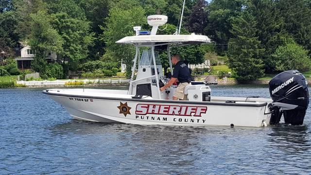 Top story 56cdf86fe841b09b64f6 sheriff s boat