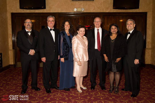Top_story_5ba279cce179f672bf3e_statetheatre_gala2017-3718