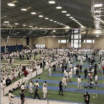 Top_story_5e8d5b8b5c1321ce43f6_fencingtournament