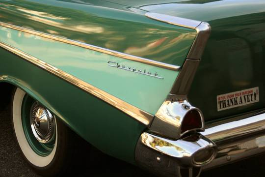 Top_story_62e9df3336a026d8f0f2_chevrolet___classic_details_in_green
