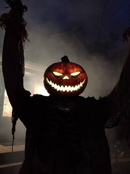 Top_story_658574253ec3c78fa3e0_halloween_2015_pumpkin_man