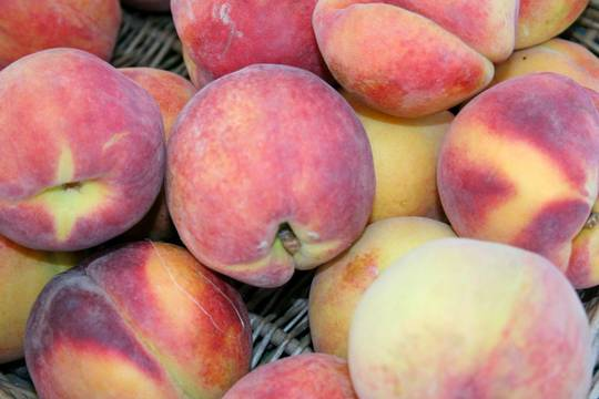 Top_story_6e20ee7d913d8db620d5_1_1_1_peaches_pile