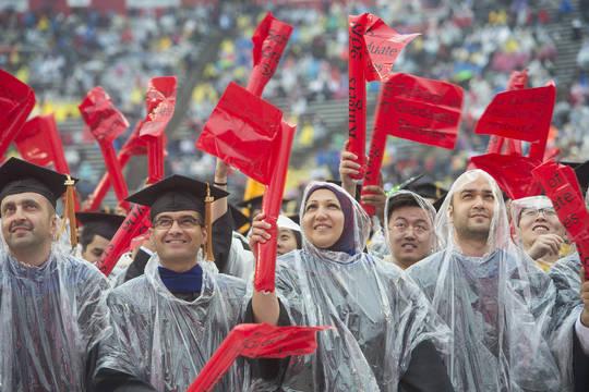 Top_story_6e9d003c04d330630170_graduateshires