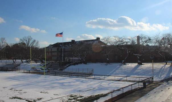 Top_story_73c38c45b3e5ea1291f6_high_school_dec_2017_snow