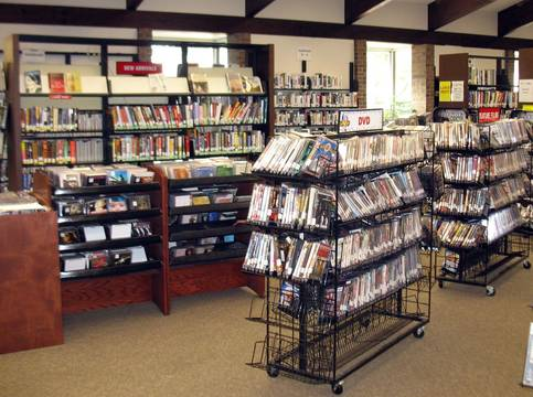 Top_story_75e13dc141392ebee72a_scotch_plains_library_-_books_on_shelves