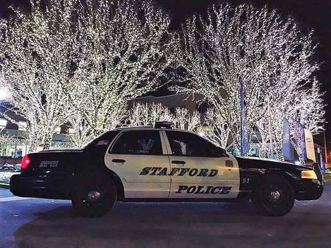 Top_story_79f0a50084fe0284d420_stafford_police_cruiser_christmas