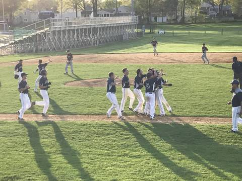 Top_story_7e3458cbc79b2853ad90_alj-summit_varsity_baseball__1