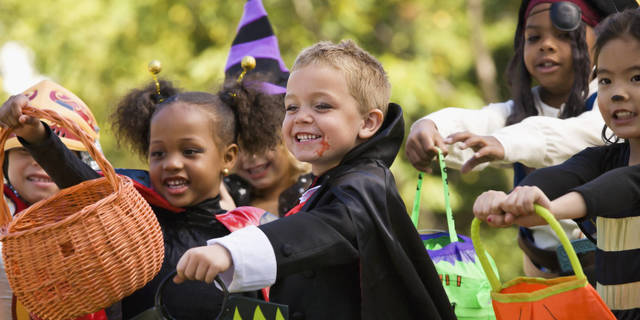 Top_story_7f31009a6a445e273d5b_trick-or-treat-bag-facebook