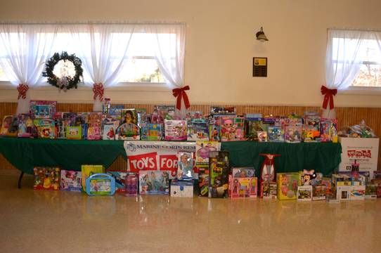 Top_story_901182ca32cc2bb9b757_73cc978c77c1a4a8ff36_toys_for_tots_1