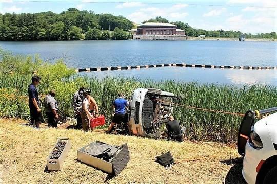 Top_story_935db11460d79b6e630a_car_crash_reservoir