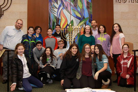 Top_story_96ad7b9efe07758f46f9_cbi_menorah_photo