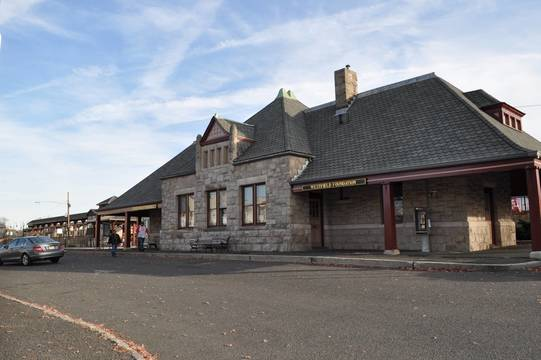 Top_story_a2cf3ea97c06853d1a92_9a116fd6cf13d6684423_train_station