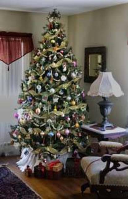 Top_story_a84fa0128a43763c33a6_holiday_tree